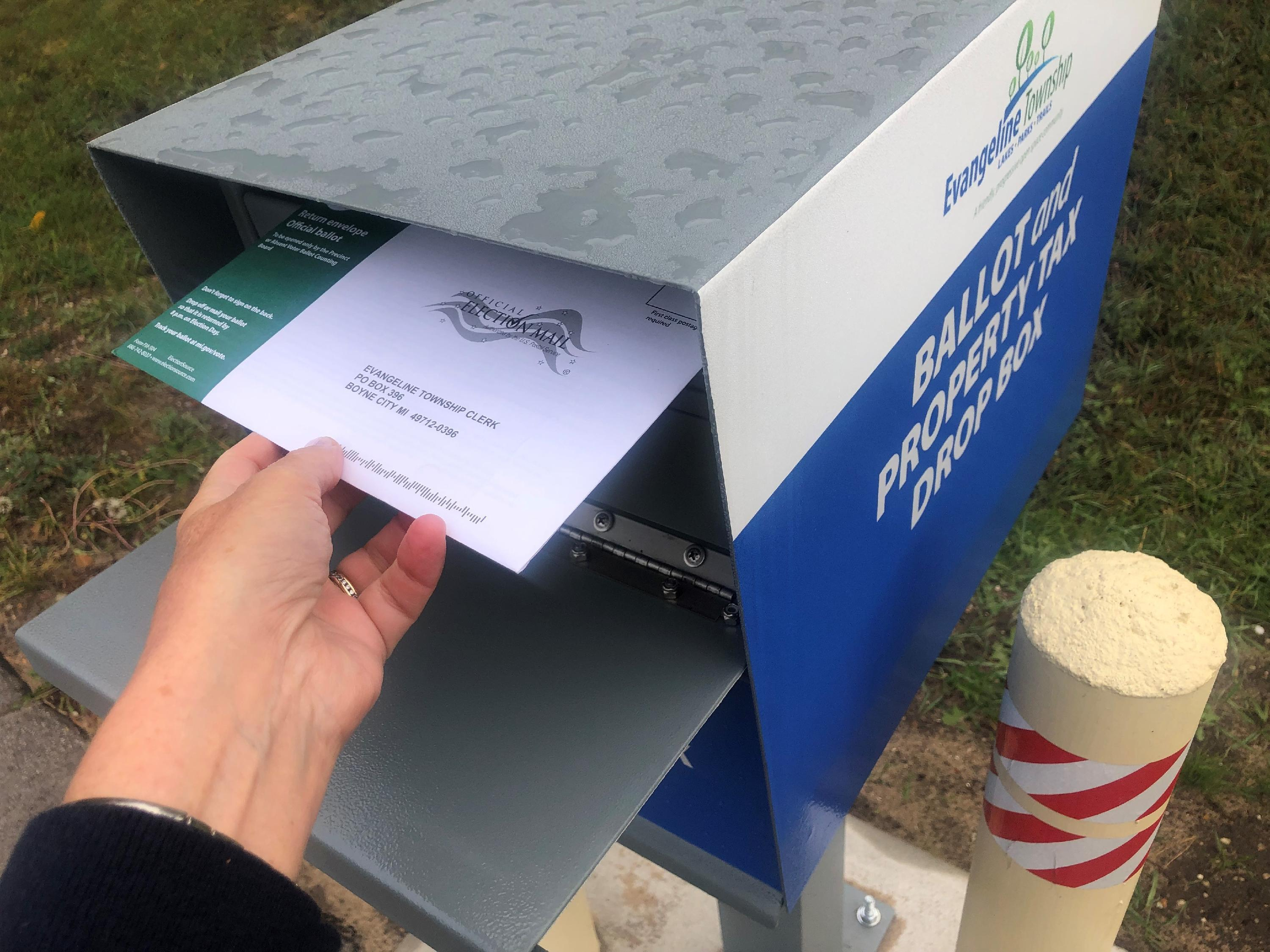 Drop Box w ballot - Copy
