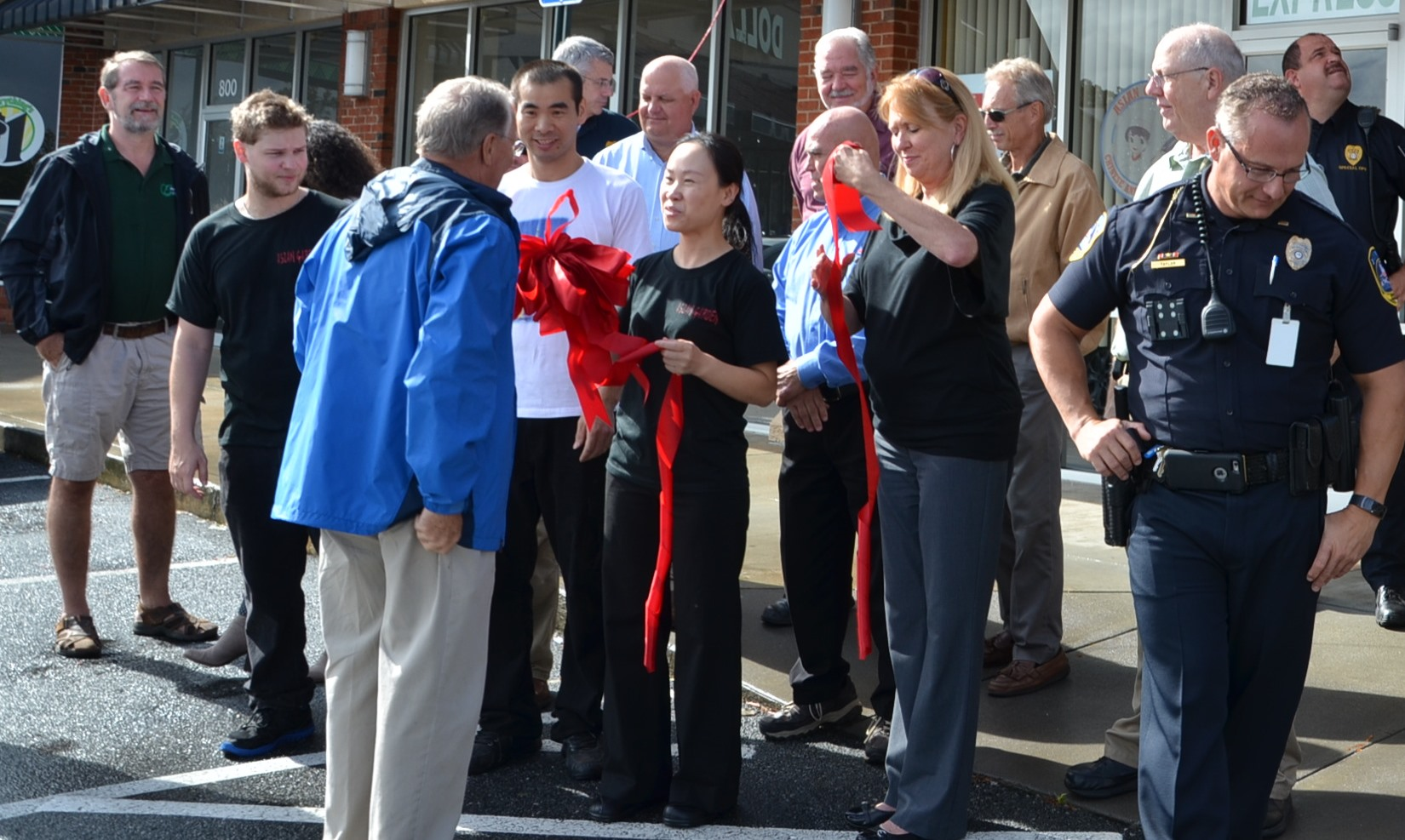 Image of Asian Garden Restaurant Ribbon Cutting