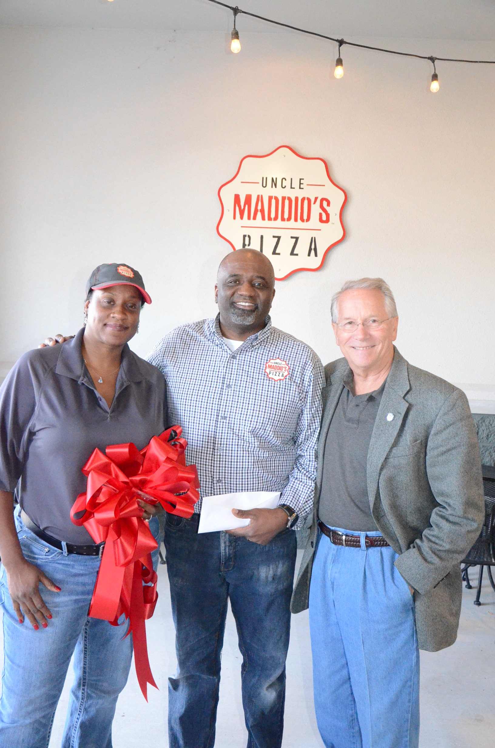 Image of Ribbon Cutting at Uncle Maddio's Pizza