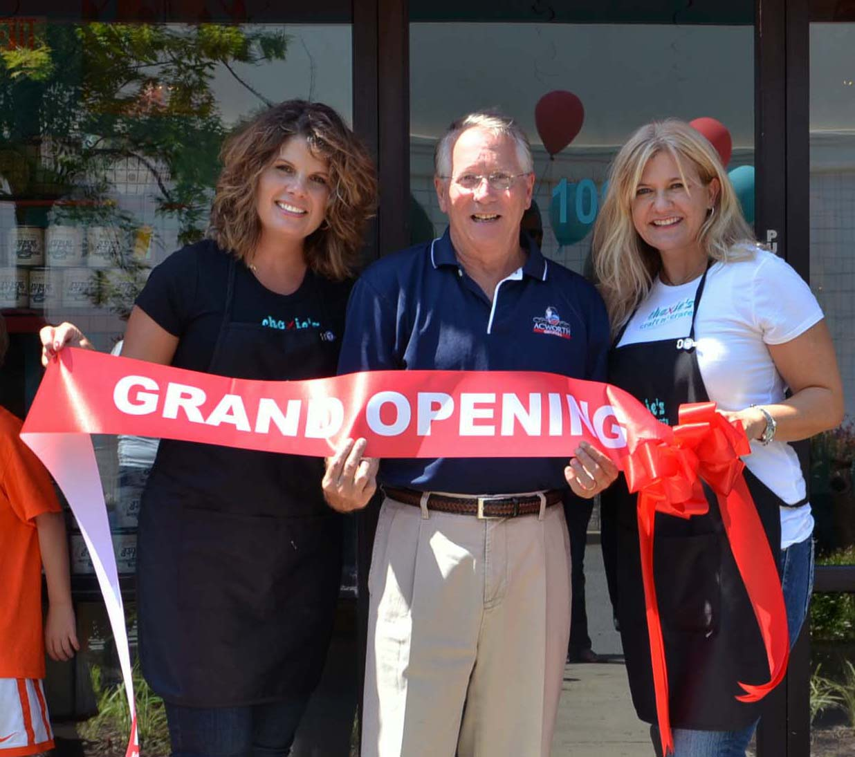 Ribbon Cutting for Choxie's Craft N' Crate 4