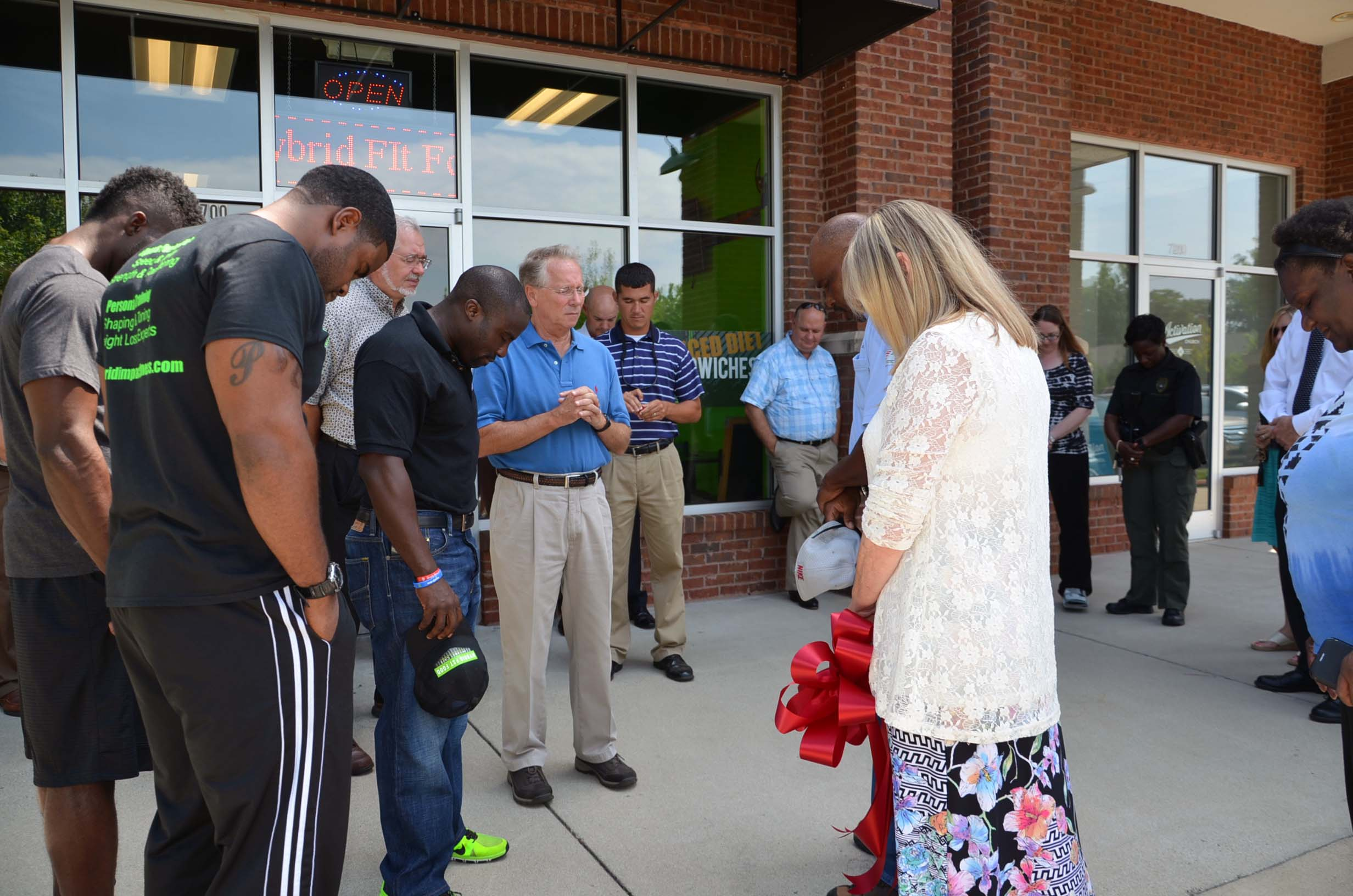 Ribbon Cutting for Hybrid Fit Food 4
