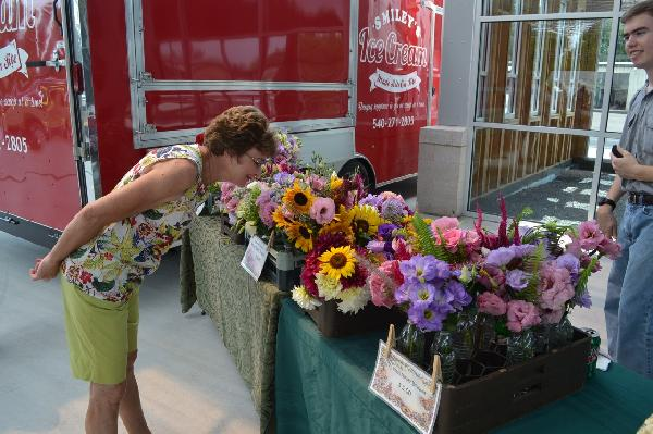 thumbnail_Farmers Market Soft Opening 7-30-15 (9)