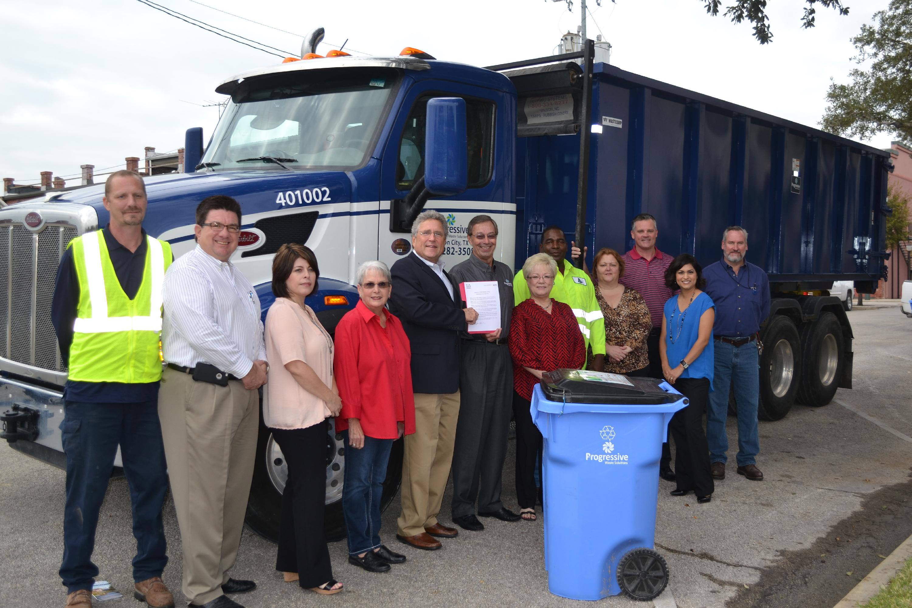 Seguin_Recycles_Day-(8_of_14)